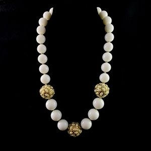 BR Banana Republic Necklace Statement Beads White